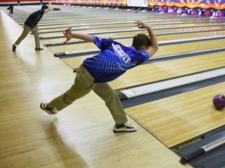 Bowling vs. Holy Cross, Feb. 10, 2020