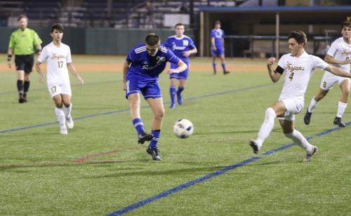 SoccerPlayoffs-vs-Cent-Lafourche_20200212_31