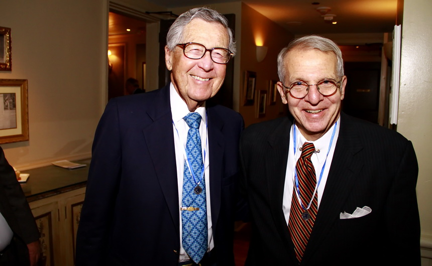 Bob Boh '47 and Mike Read '61 at the 2013 Alumnus of the Year Dinner.